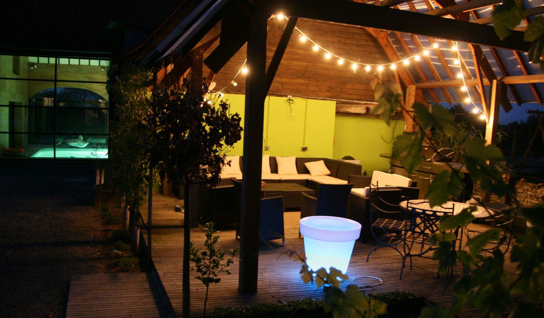Gites jardins ilona gite de groupe jusque 28 personnes for Gite de groupe avec piscine couverte